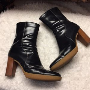 EUC Tod's rubber sole booties. Black size 9.5